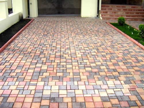 Бордюр садовый или тротуарный для украшения вашего дома.