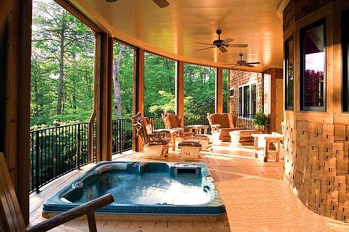 Терраса к дому как элемент ландшафтного дизайна.